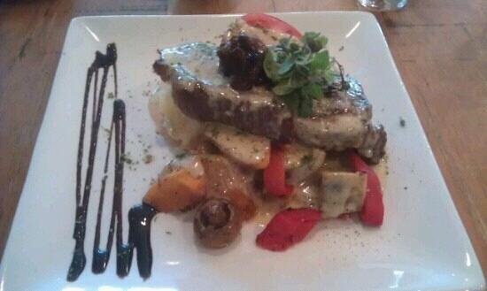 Armazem Restaurant & Bar:                   Steak was a beaut!
