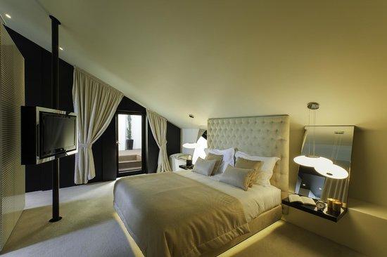 9HOTEL MERCY: Suite