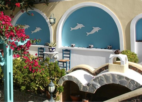 Anastasia Princess Hotel & Suites: Entrance on the swimming pool