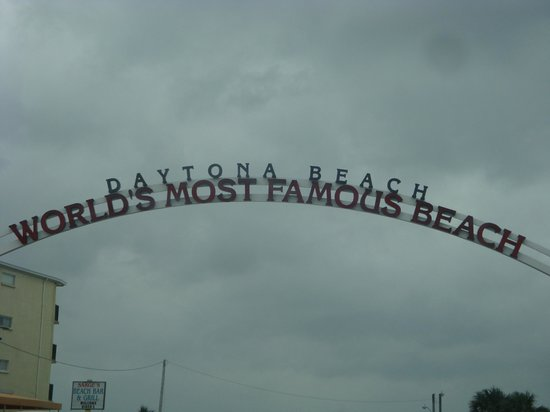 Boardwalk Amusement Area and Pier: Most Famous Beach ?