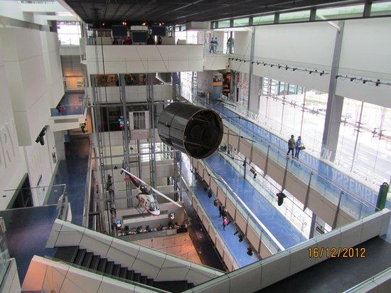 Museum Berita Newseum:                   Newseum - DC