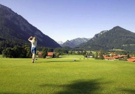 Traunbachhaeusl: Golfplatz Ruhpolding