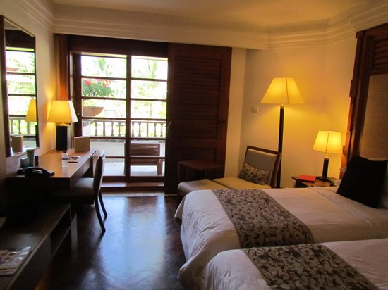 Nusa Dua Beach Hotel & Spa:                   room with balcony