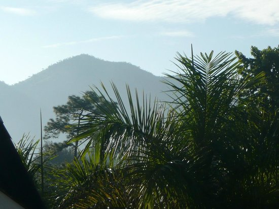 Pine Hill Resort, Kalaw: View towards the hills