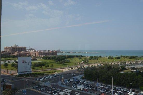 Hilton Abu Dhabi:                   view from the executive lounge