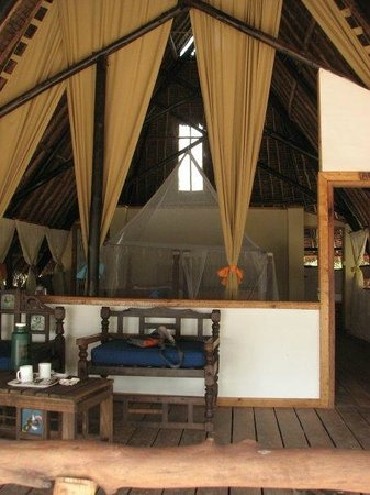 Fish Eagle Point:                   bungalow style room, massive bed, superb bathroom at rear