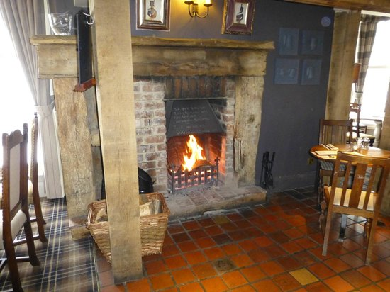 Cow and Calf Country Pub & Restaurant:                                     Warm greeting