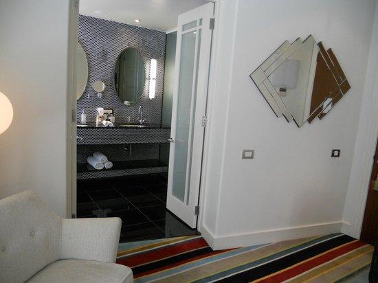Hotel DeBrett: Vue de la salle de bain