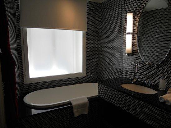 Hotel DeBrett: Salle de bain