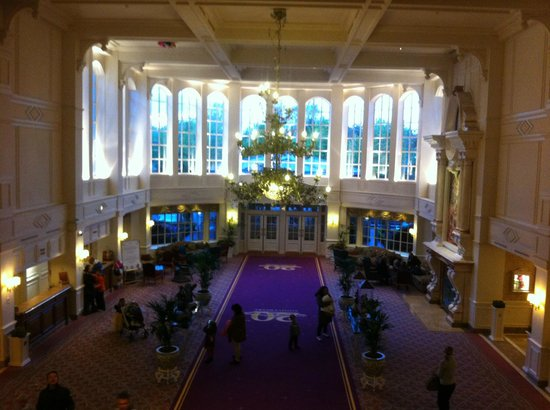 Disneyland Hotel: hall dell'hotel
