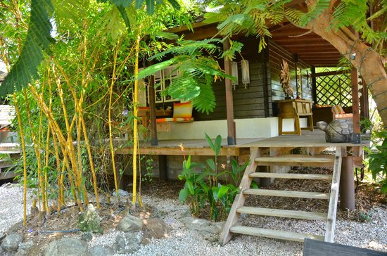 Bamboo Bali Bonaire Resort: Another cottage porch area