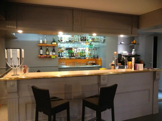 Quality Hotel Alisee Poitiers Nord: bar