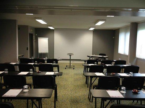 Quality Hotel Alisee Poitiers Nord: salle de reunion