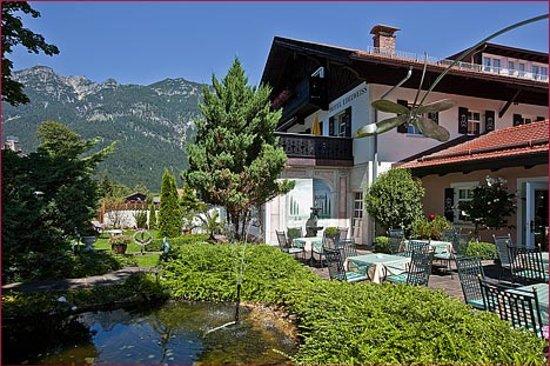 Hotel Edelweiss: Garten