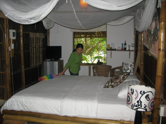 An Bang Seaside Village Homestay: Beautifully decorated and furnished rooms.