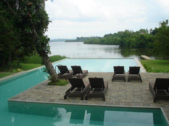 Roman Lake Hotel: hotel pool
