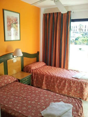 Apartamentos Playazul: Dormitorio