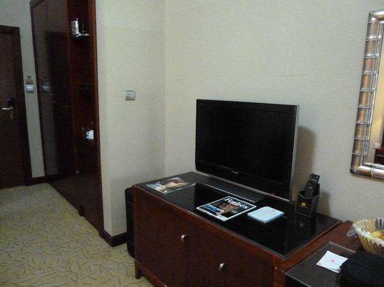 Chelsea Hotel: Flat screen TVs