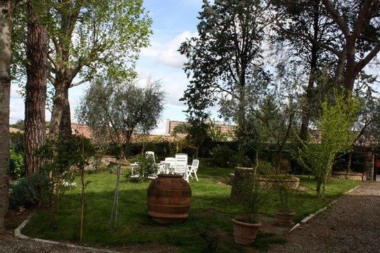 B&B Villa Aurora: Il giardino