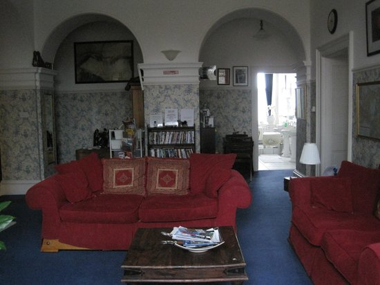 Abbeydene House: Landing