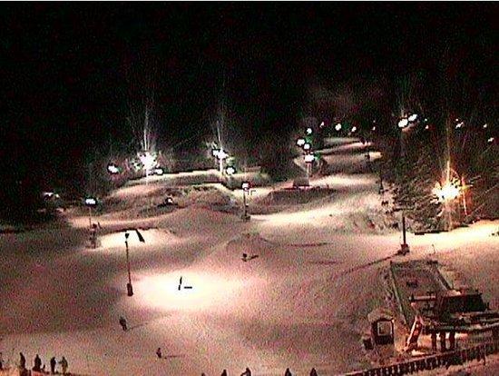 Tyrol Basin Ski & Snowboard Area : Night skiing at Tyrol Basin