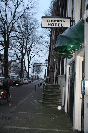 Liberty Hotel: Street