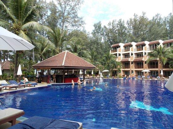 BEST WESTERN Premier Bangtao Beach Resort & Spa: piscine et bar