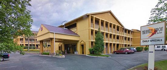 Nashville Airport Inn & Suites: 2425 Atruim Way