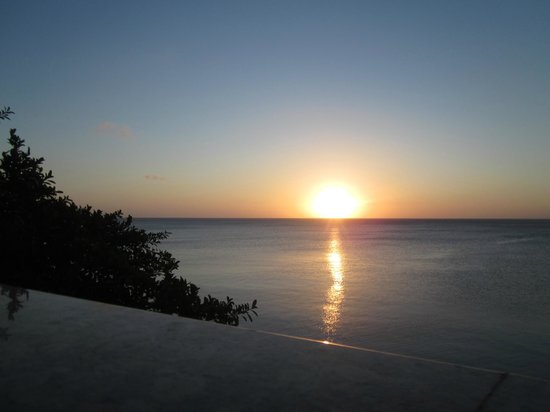 Villas del Playa - Luxury Condos:                   Christmas Eve Sunset
