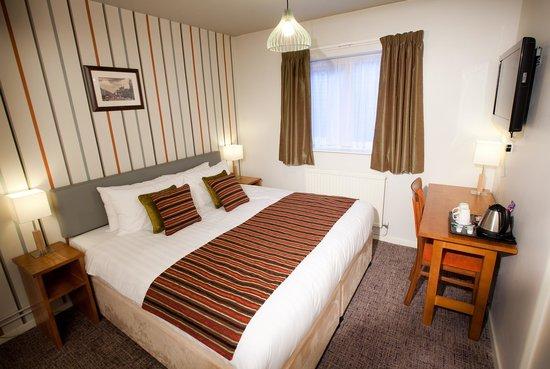 Henley Hotel: Standard Room - Room 109
