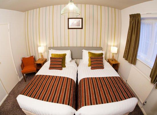 Henley Hotel: Standard Twin Room- Room 12