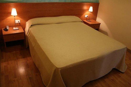 هوتل رومانيا: Room