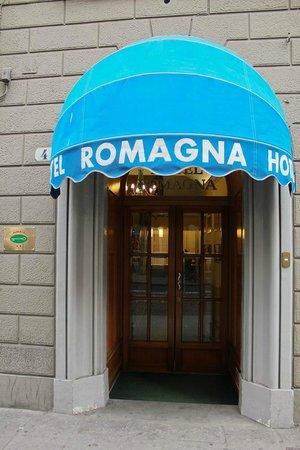 Hotel Romagna: Entrance