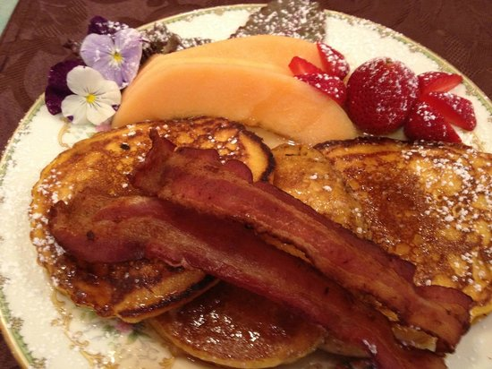 Mansion District Inn Bed & Breakfast: Chef Jovanna's Baked French Toast