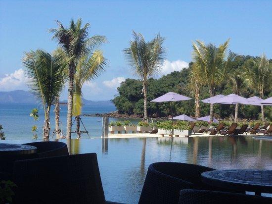 Beyond Resort Krabi:                   Infinity pool