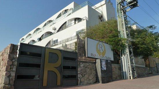 Rich Luxury Suites :                   Facade