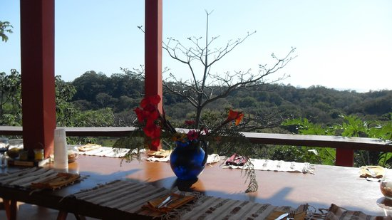 Costa Rica Yoga Spa:                   your dining table awaits