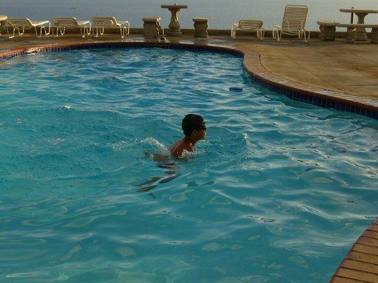 Makai Hale: pool