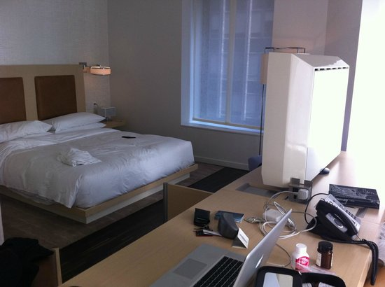 Andaz Wall Street:                   Bed. Desk. TV.