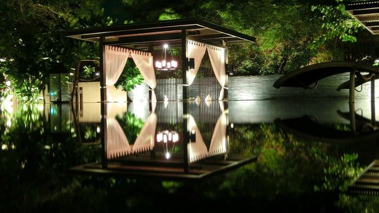 V Villas Hua Hin, MGallery by Sofitel: Pavillons am Pool