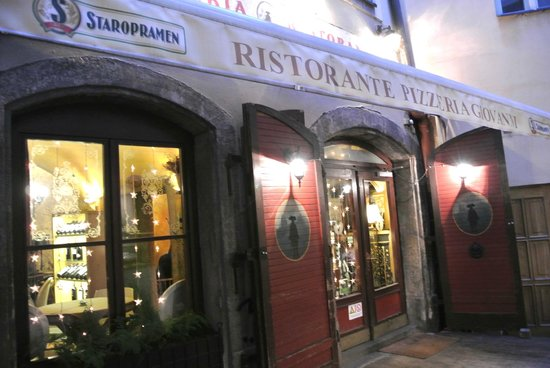 Don Giovanni: Restaurant exterior