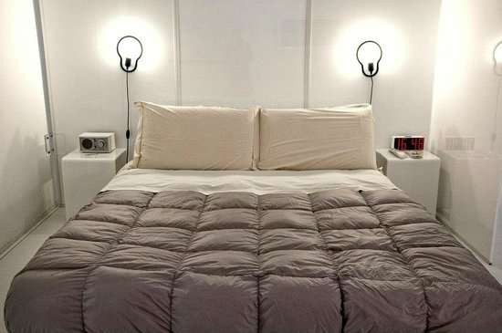 PM3 Bed Breakfast: bed