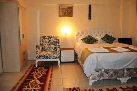 Falcon Apart Hotel: Room 207