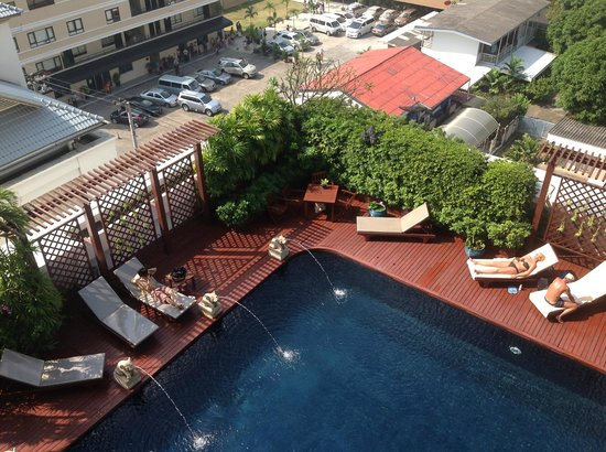 Centre Point Sukhumvit 10: Pool
