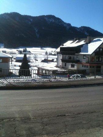 Zimmermann's Gasthaus: Blick von der Terrasse über das Eis.