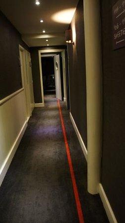 Hotel Le Faucigny:                   hallway