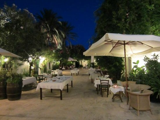 Masseria Il Frantoio :                   Setting up seating for dinner that night