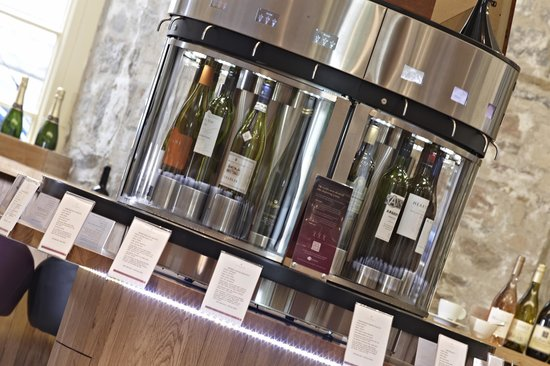 Le Vignoble : Around the world wine serving system