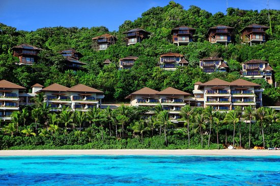 Shangri-La's Boracay Resort & Spa: View of the property from the speedboat
