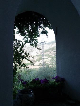 La Almunia del Valle:                   uitziht vanaf terras